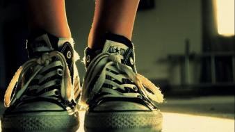Shoes converse sneakers all star body parts wallpaper