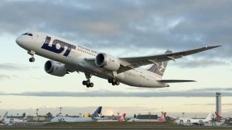 Aircraft boeing polish lot 787 dreamliner airlines wallpaper