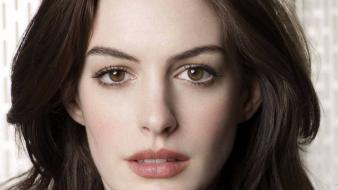 Hathaway actresses brown eyes academy award winner wallpaper