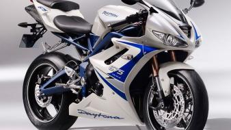 Superbike motorbikes triumph daytona 675 2010 wallpaper