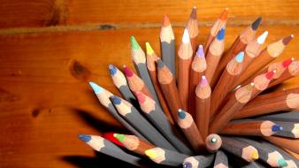 Wood macro hdr photography pencils colors wallpaper