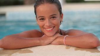 Alizee pool wallpaper