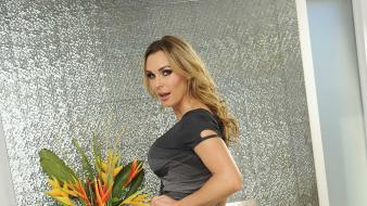 Blondes women tanya tate wallpaper