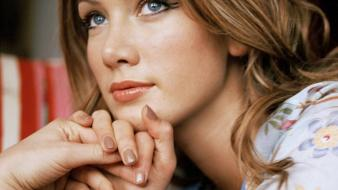 Delta goodrem thinking Wallpaper