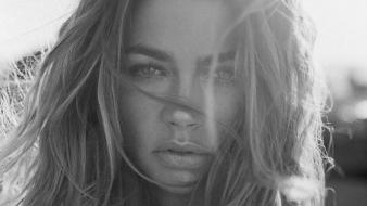 Denise richards grayscale wallpaper