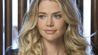 Denise richards nice hair wallpaper