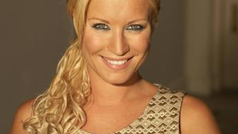 Denise van outen wallpaper