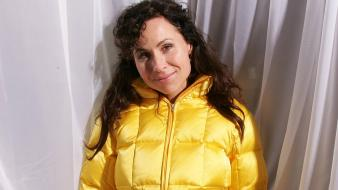 Minnie Driver Yellow wallpaper