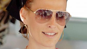 Molly Sims Glasses wallpaper