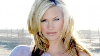 Natasha Henstridge Blonde Wallpaper