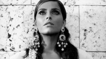 Nelly Furtado Grayscale Wallpaper