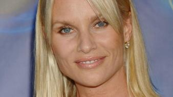 Nicollette Sheridan Face wallpaper