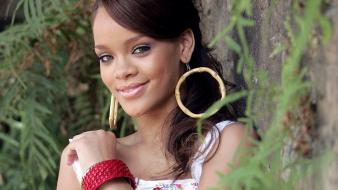 Rihanna Fenty Smile wallpaper