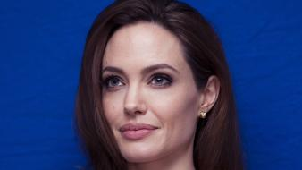 Women angelina jolie wallpaper