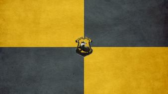 Harry potter hufflepuff badgers hogwarts crests Wallpaper