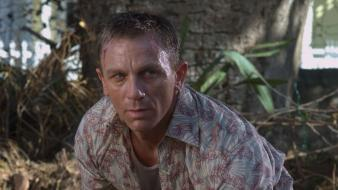 Casino royale actors daniel craig movie stills wallpaper