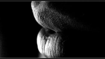 Close-up black and white lips wallpaper