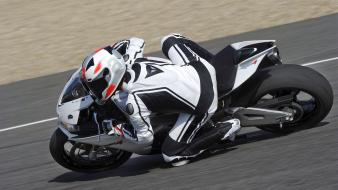 Circuits motorbikes aprilia rsv4 leaning dainese wallpaper