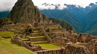 Green mountains landscapes nature ancient machu pichu Wallpaper