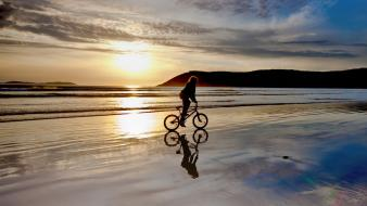 Sunrise landscapes beach bicycles Wallpaper