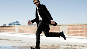 Water suit men sunglasses jake gyllenhaal Wallpaper