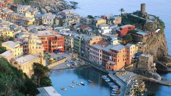 Cityscapes italy cinque terre cities vernazza liguria Wallpaper