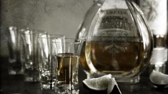Glass drinks whisky wallpaper