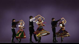 Dancing folklore hungarian wallpaper