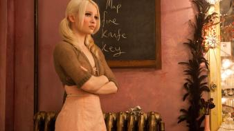 Emily Browning In Sucker Punch 2011 wallpaper