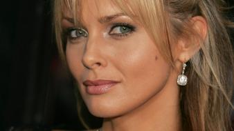 Izabella scorupco face wallpaper