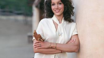 Jennifer beals smile wallpaper
