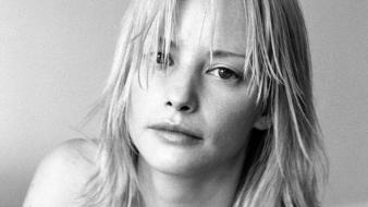 Sienna guillory grayscale wallpaper
