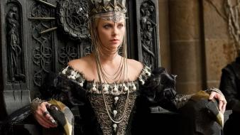 Snow white and the huntsman movie stills wallpaper