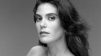 Teri Hatcher Grayscale wallpaper