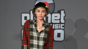 Miley cyrus actress singers wallpaper