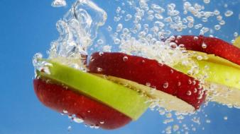 Water apple inc. food slices splashes Wallpaper