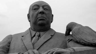 Alfred hitchcock birds grayscale sand sculptures Wallpaper
