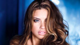 Adriana lima 2013 wallpaper
