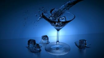 Beverages drinks glasses ice cubes Wallpaper