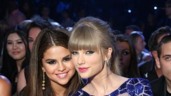 Selena gomez taylor swift blondes singers wallpaper