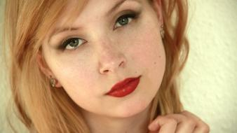 Blondes close-up green eyes pale skin red lipstick wallpaper