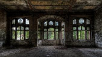 Nature ruins old house windows Wallpaper