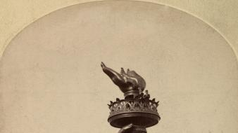 Hands historic torch liberty old photography wallpaper