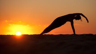 Fitness healthy lifestyle silhouettes sunset wallpaper