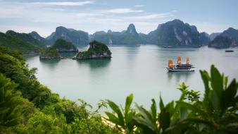 Landscapes nature bay ha long Wallpaper