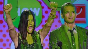 Neil patrick harris wet sandra bullock slime Wallpaper