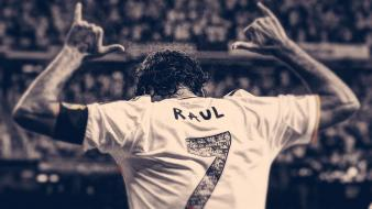 Raul gonzalez real madrid football star legend wallpaper