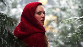 Amanda Seyfried In Red Riding Hood wallpaper