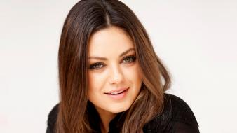 Brunettes women mila kunis actress celebrity faces wallpaper