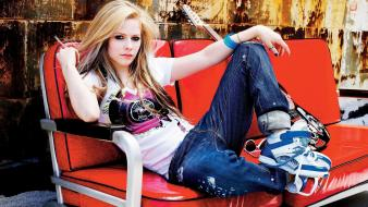 Avril lavigne dawn line clothing Wallpaper